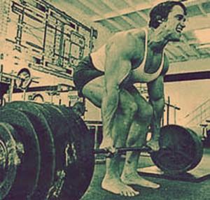 arnold-schwartzenaggar-squatting